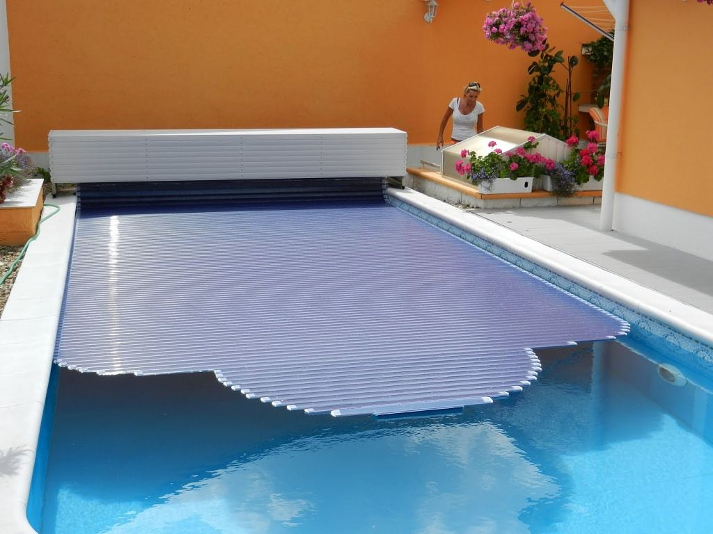SAFEPOOL: Automatic Pool Covers